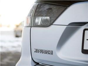 Mitsubishi Outlander XL 2007 задняя фара