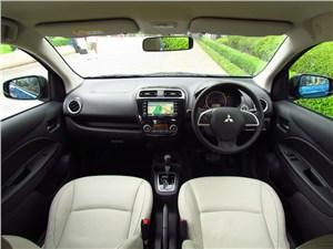 Предпросмотр mitsubishi attrage 2013 водительское место