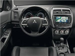 Молодая гвардия ASX - Mitsubishi ASX 2013 водительское место