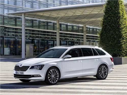 Skoda привезет новое поколение универсала Superb Combi в Россию