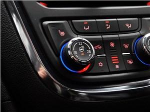 Opel Mokka 2012 центральная консоль