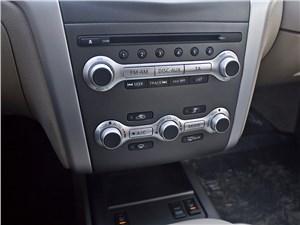 Nissan Murano 2010 центральная консоль
