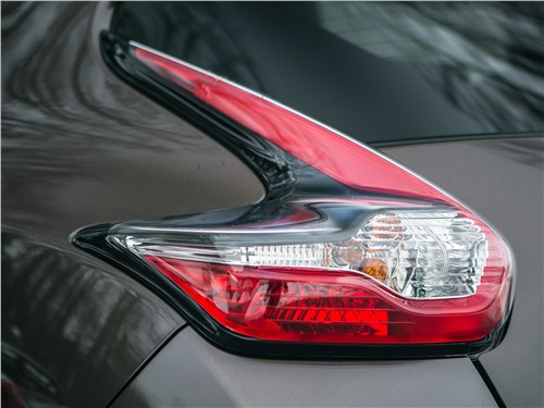 Nissan Juke 2017 задний фонарь