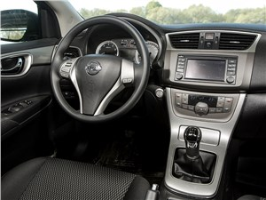 Nissan Sentra 2013 водительское место