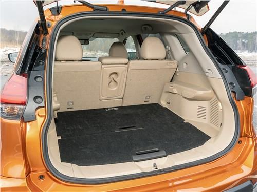 Nissan X-Trail 2018 багажное отделение
