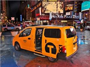 Предпросмотр nissan nv200 taxi 2014 вид сзади сбоку
