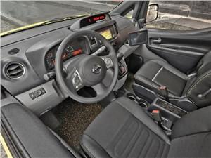 Предпросмотр nissan nv200 taxi 2014 водительское место