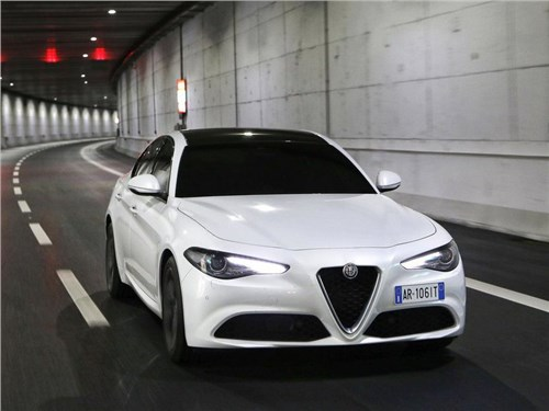Новость про Alfa Romeo Giulia - Alfa Romeo планирует выпустить более мощную модификацию седана Giulia
