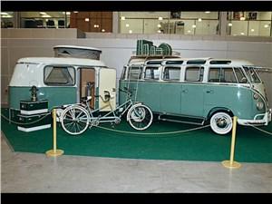 Volkswagen T 1 Samba BUS et trailer 1963 года выпуска
