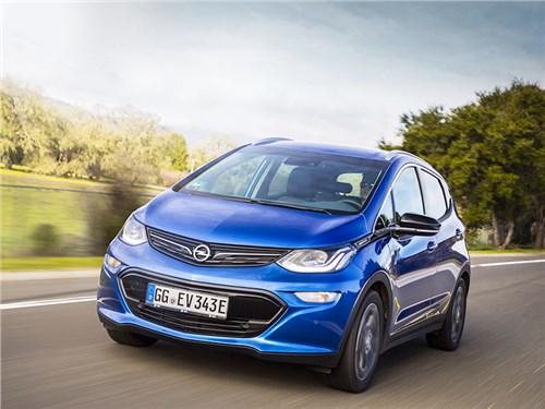 Opel попросил дилеров не принимать заказы на Ampera-e