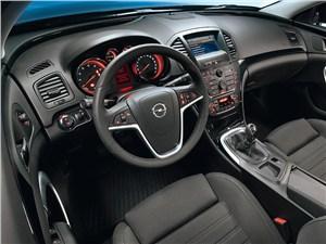 Opel Insignia 2012 водительское место