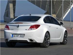 Opel Insignia OPC -