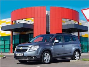 Chevrolet Orlando 2013 вид спереди 3/4