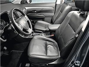Mitsubishi Outlander 2012 передние кресла