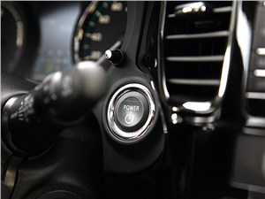 """Mitsubishi Outlander PHEV 2014 кнопка """"старт-стоп"""""""