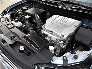 Mitsubishi Outlander PHEV 2014 двигатель