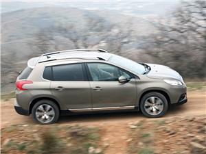 Peugeot 2008 2013 вид сбоку сверху
