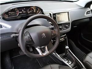 Предпросмотр peugeot 2008 2013 водительское место