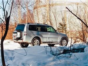 Mitsubishi Pajero 2008 вид сзади