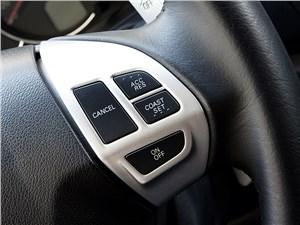 Mitsubishi Pajero Sport 2013 кнопки на руле