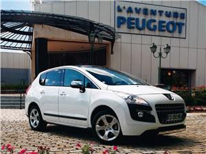 Peugeot 3008 2010 вид спереди