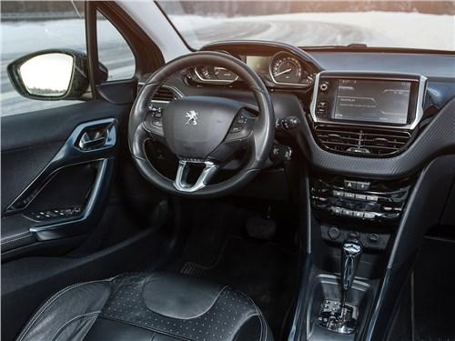 Выбор эстетов 2008 - Peugeot 2008 2013 салон