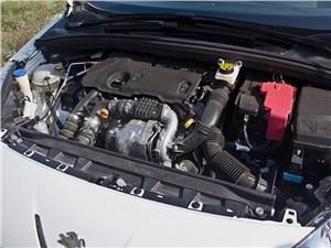 Предпросмотр peugeot 408 2010 двигатель