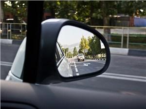 Peugeot 408 2010 зеркало заднего вида