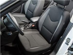 Peugeot 408 2011 передние кресла
