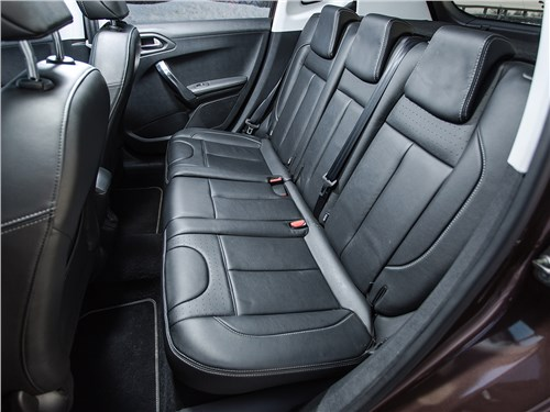 Peugeot 2008 2013 задний диван