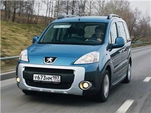 Peugeot Partner Tepee вид спереди