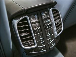 Porsche Cayenne Turbo S 2013 кнопки управления