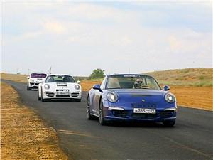 Porsche 911 Carrera 4S вид спереди