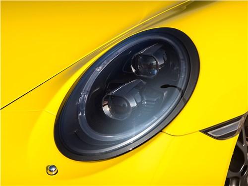 Предпросмотр porsche 911 carrera 4s передняя фара