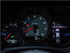 Porsche Macan 2014 приборная панель