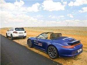 Porsche 911 Carrera 4S вид сзади