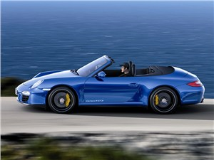 Porsche 911 Carrera 4 GTS Cabriolet -