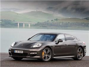 Porsche Panamera Turbo S -
