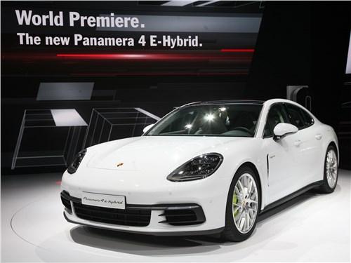 Porsche Panamera 4 E-Hybrid 2017 вид спереди