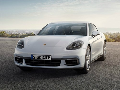 Новость про Porsche Panamera 4 E-Hybrid - Porsche привезет в Женеву «заряженный» гибрид Panamera