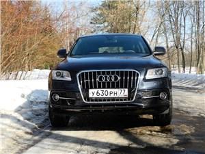 Audi Q5 2012 вид спереди