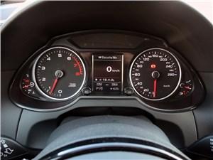 Audi Q5 2012 приборная панель