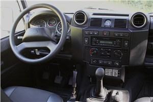 Предпросмотр land rover defender 2011 водительское место