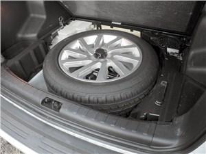 Предпросмотр land rover freelander 2 2011 запасное колесо