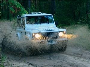 Предпросмотр land rover defender 2011 вид спереди