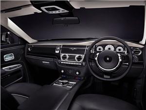 Предпросмотр rolls-royce ghost v-specification 2014 водительское место