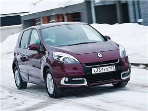 Renault Scenic 2012 вид спереди