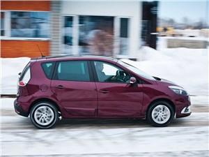 Renault Scenic 2012 вид сбоку
