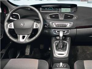 Renault Scenic 2012 водительское место