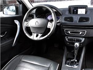 Renault Fluence 2013 водительское место